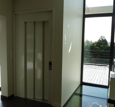 4.9 ascenseur