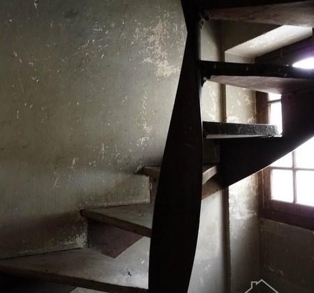 1.9 escalier tour
