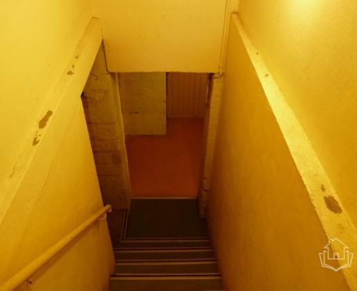 A 16.8 escalier cave