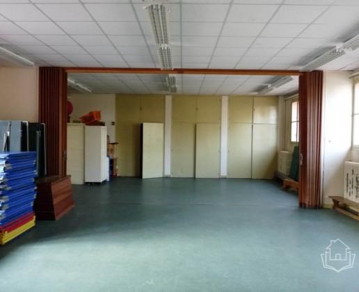 A 18.3 cc salle sport