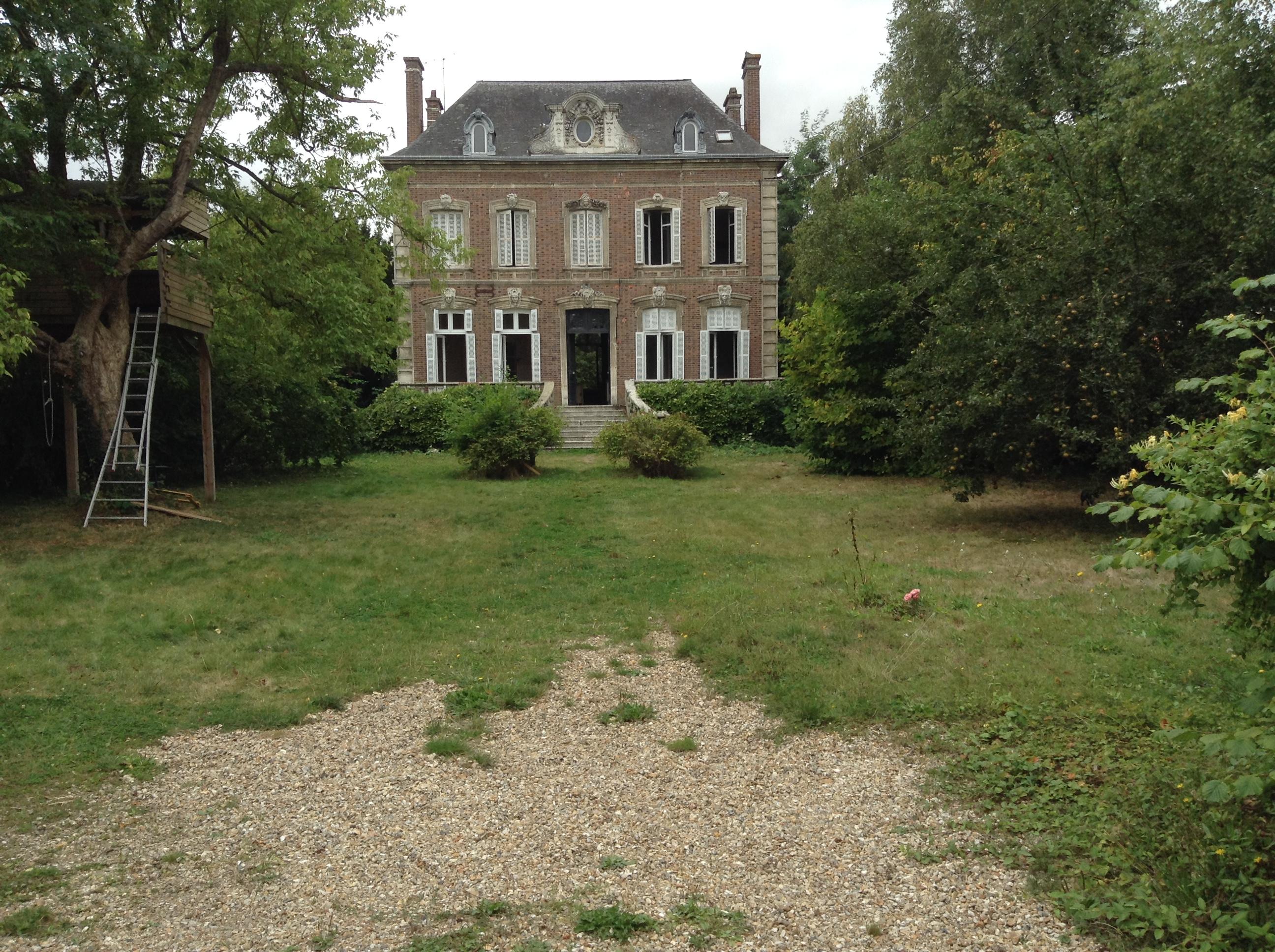 Location maison maitre pour tournage agence r pertoire for Agence de location maison